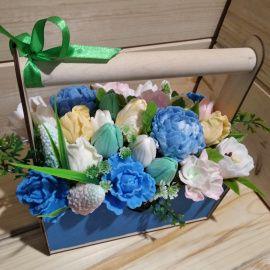 Композиция интерьерная Весна из мыльных цветов в Stranamasterov.by Беларусь.
