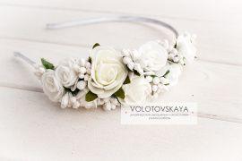 Ободок на один бок Белые розы в Stranamasterov.by Беларусь.