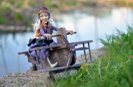 Кукла из полимерной глины Бабая Яга в Stranamasterov.by Беларусь.