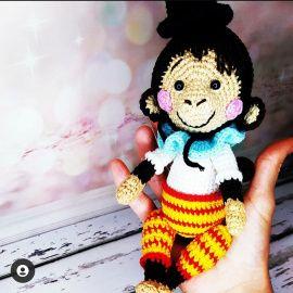 Вязаная интерьерная кукла Обезьянка в Stranamasterov.by Беларусь.