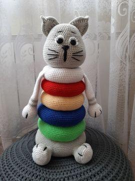 Вязаная пирамидка Кот в Stranamasterov.by Беларусь.