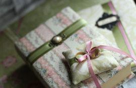 Набор свадебных аксессуаров Прага - подарок ручной работы на свадьбу Беларусь.