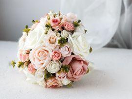 Свадебный букет дублер Пудровые и молочные розы - подарок ручной работы на свадьбу Беларусь.