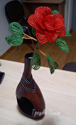 Цветы ручной работы Роза из бисера в Stranamasterov.by Беларусь.
