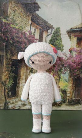 Вязаная игрушка Малыш в костюме овечки в Stranamasterov.by Беларусь.