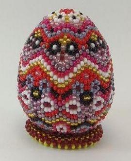 Сувенирное яйцо из бисера Праздничное в Stranamasterov.by Беларусь.