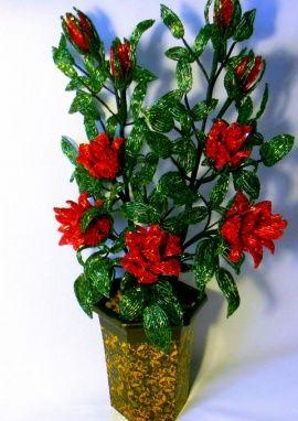 Цветы из бисера Кустовые розы в Stranamasterov.by Беларусь.