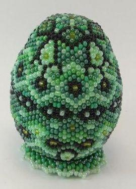 Сувенирное яйцо из бисера Зеленый сад в Stranamasterov.by Беларусь.