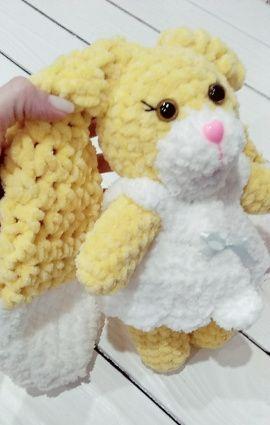Вязаная игрушка плюшевая Кролик Лика в Stranamasterov.by Беларусь.