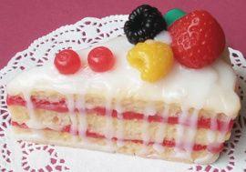 Мыло ручной работы Бисквитный кремовый торт в Stranamasterov.by Беларусь.