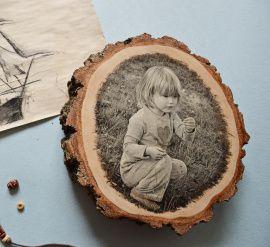Фото на дереве Черно-белое фото на спиле в Stranamasterov.by Россия.