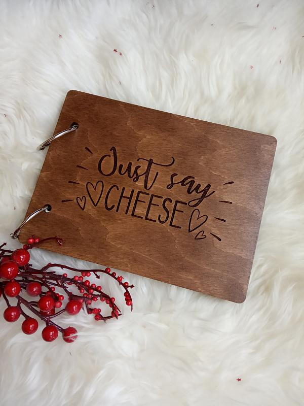 Деревянный фотоальбом Just say cheese темн в Stranamasterov.by