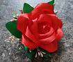 Бутоньерка Алая роза ручной работы. Подарок на свадьбу. Вот что нужно дарить!