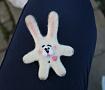 Валяная брошь Белый заяц в Stranamasterov.by