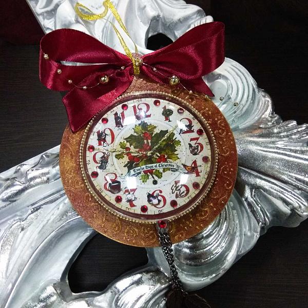 Часы новогодние Падуб в Stranamasterov.by