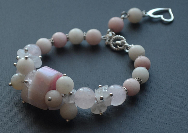 Браслет из камней Pink Clouds в Stranamasterov.by