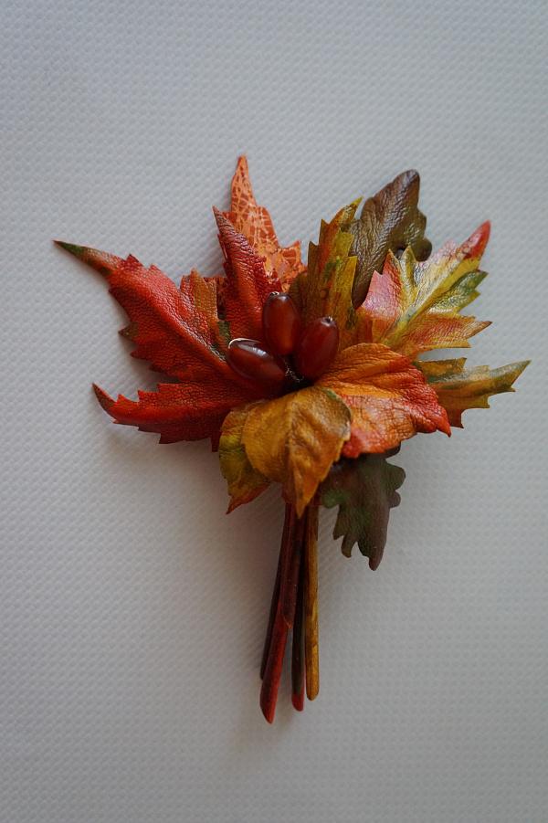 Брошь из кожи Осенние листья в Stranamasterov.by
